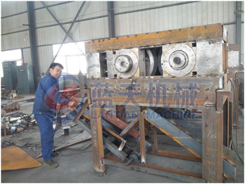 Coal powder briquette machine
